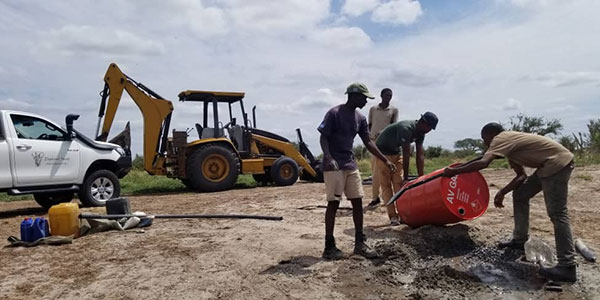 Reinhard-Baer-Botswana-Wasserpumpe3