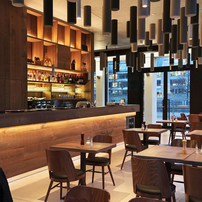 reinhard-baer-restaurant-architektur-tische-800x800